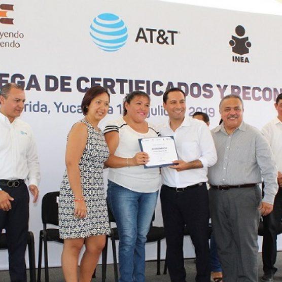 Se entregaron certificados a estudiantes de Mérida, Yucatán