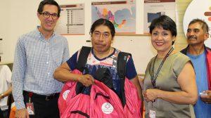 Comenzamos la entrega de #MochilasLlenasDeSueños en el aula Miyana